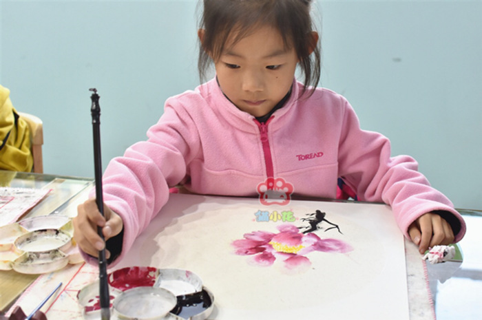 学国画有助于培养儿童的思维和审美